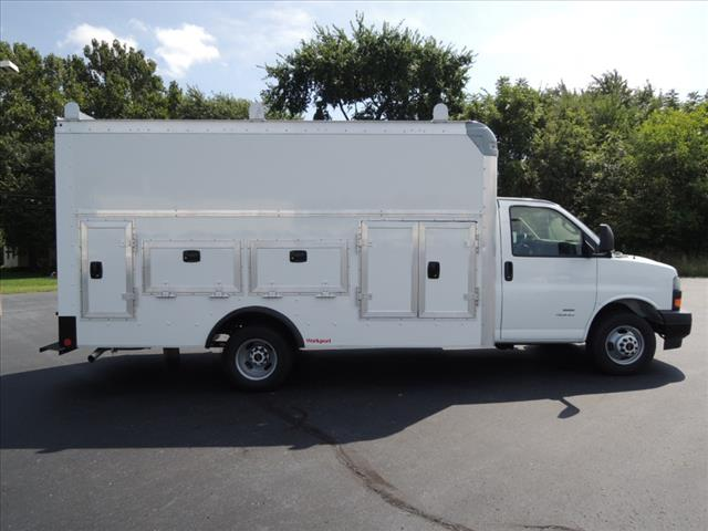 2018 Savana 4500 4x2,  Rockport Service Utility Van #110103 - photo 12