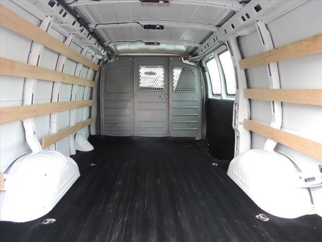 2017 Savana 2500,  Empty Cargo Van #110245 - photo 3