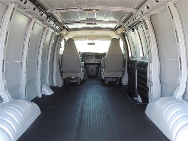 2018 Savana 2500 4x2, Empty Cargo Van #110648 - photo 1