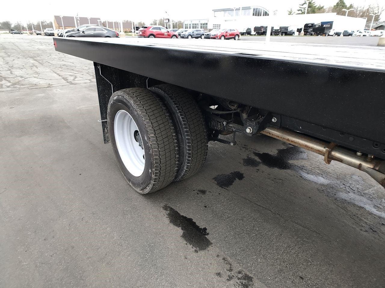 2019 Ford F-550 Regular Cab DRW 4x2, Platform Body #111643 - photo 10