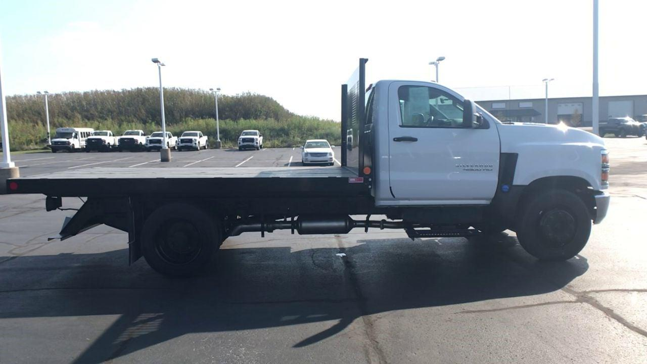 2020 Chevrolet Silverado 4500 Regular Cab DRW 4x2, Monroe Work-A-Hauler II Platform Body #111666 - photo 9