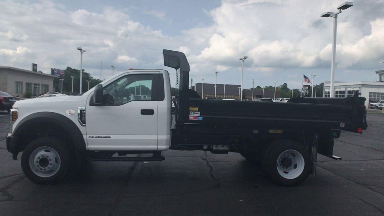2019 F-550 Regular Cab DRW 4x2,  Dump Body #111687 - photo 3