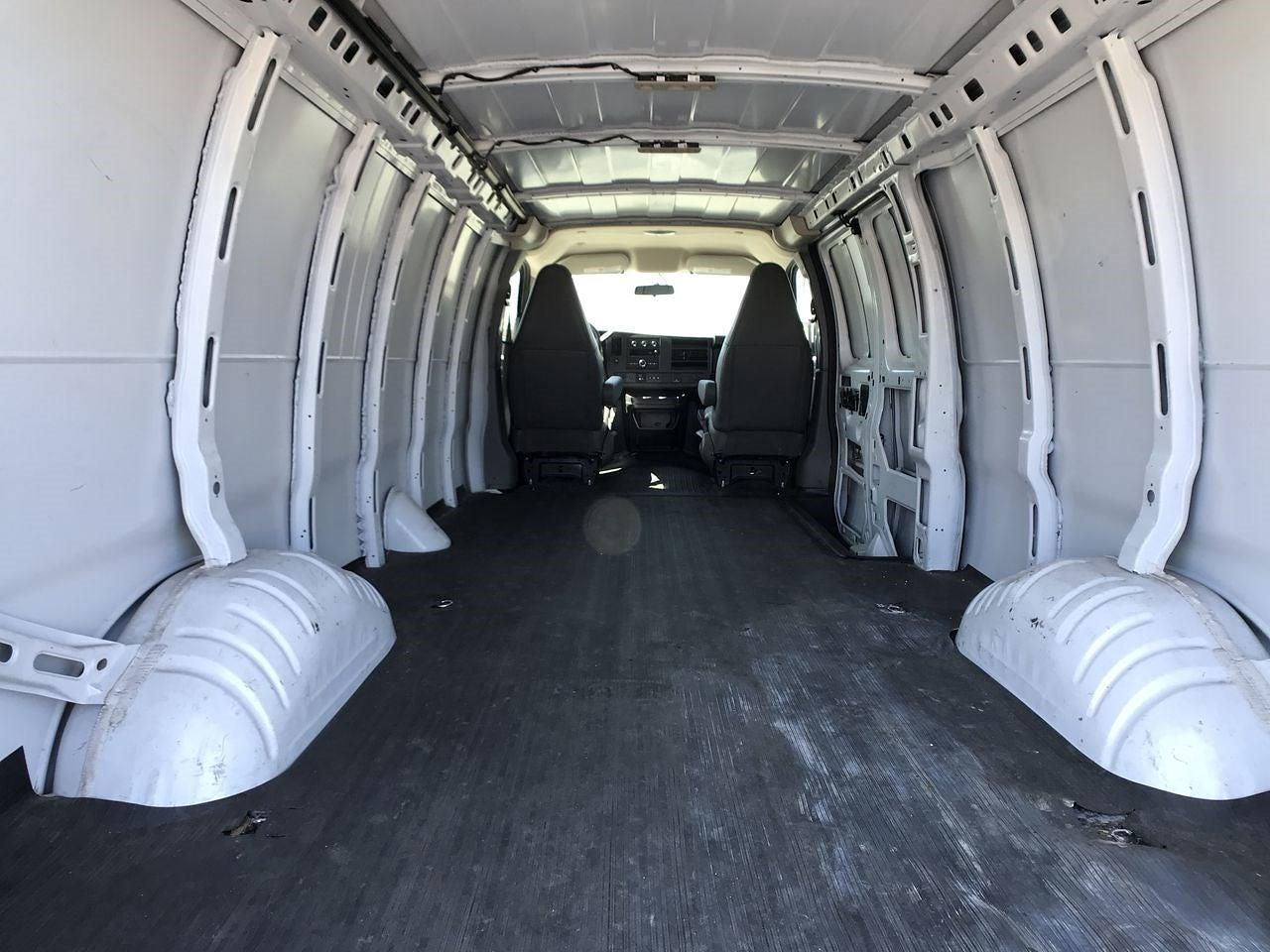 2020 Chevrolet Express 2500 4x2, Empty Cargo Van #111688 - photo 2