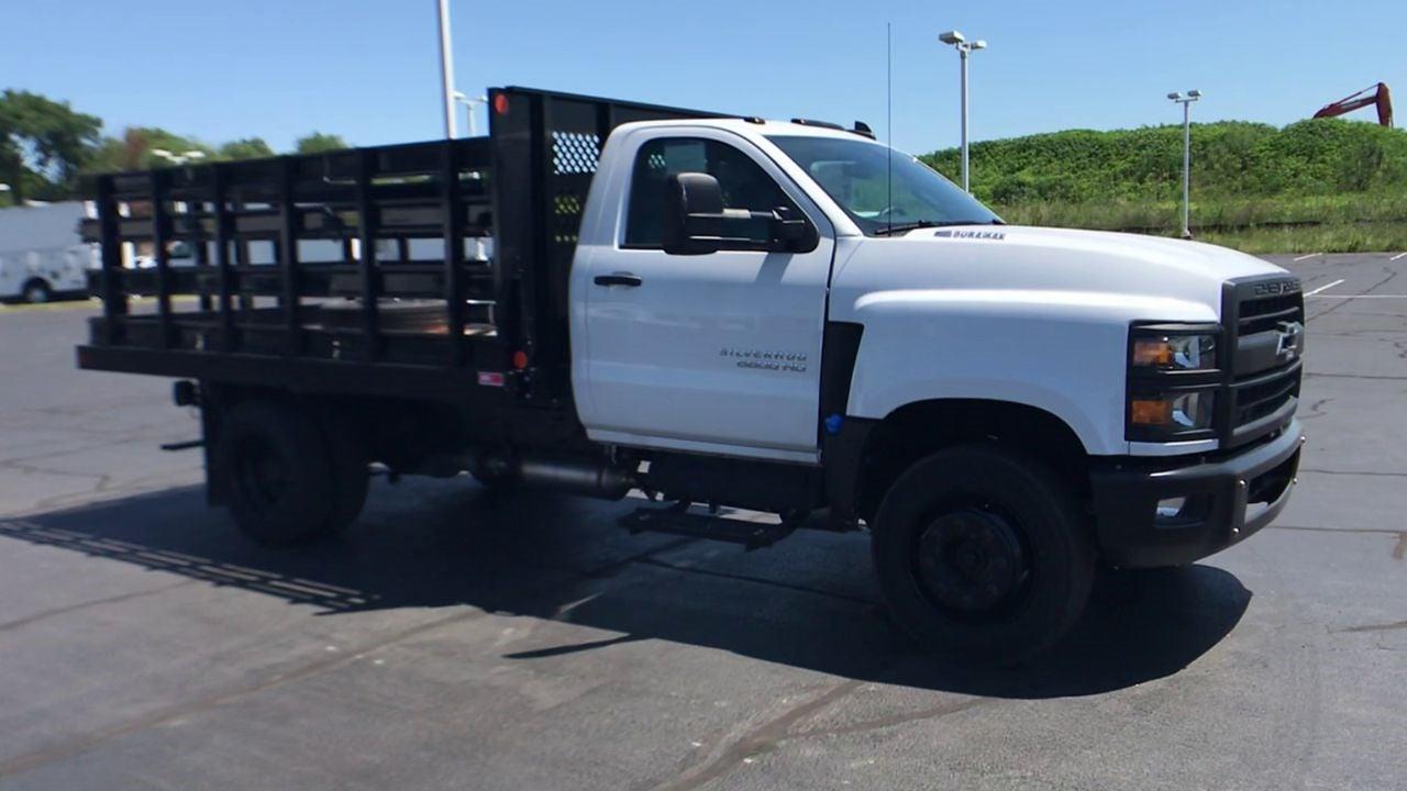 2020 Silverado 5500 Regular Cab DRW 4x2,  Monroe Truck Equipment AL Series Platform Body #111699 - photo 3