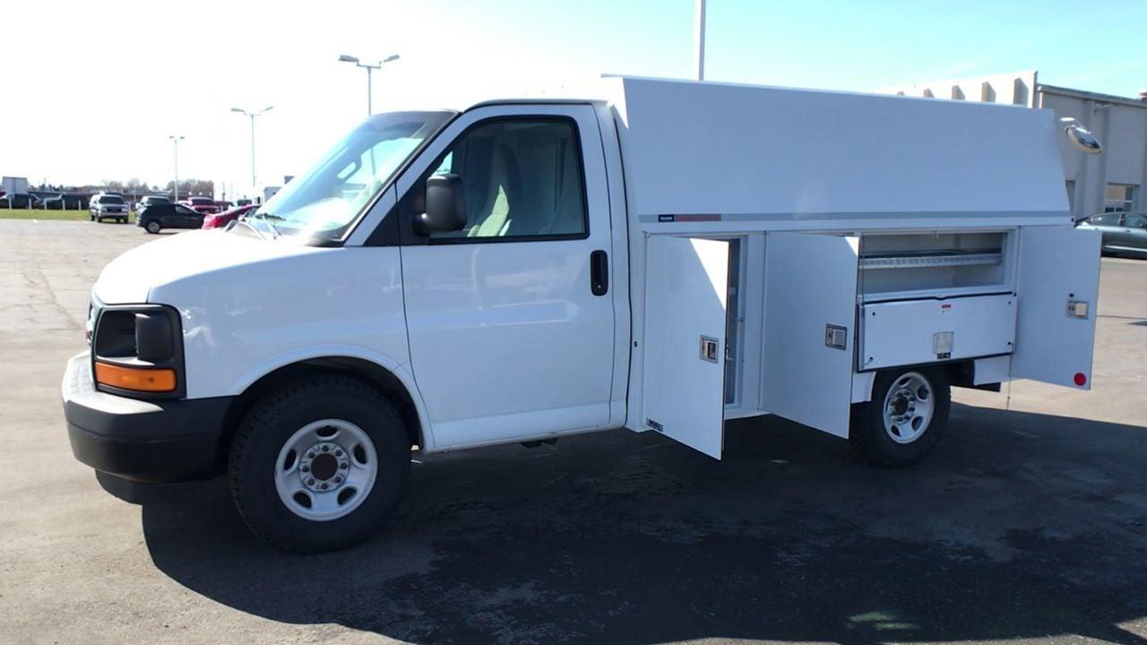 2017 GMC Savana 3500 4x2, Service Utility Van #111725 - photo 5