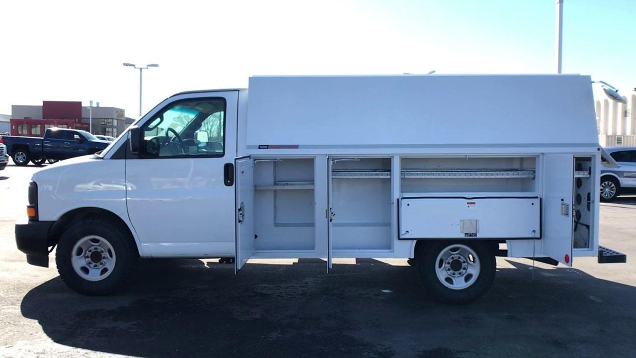 2017 GMC Savana 3500 4x2, Service Utility Van #111725 - photo 6
