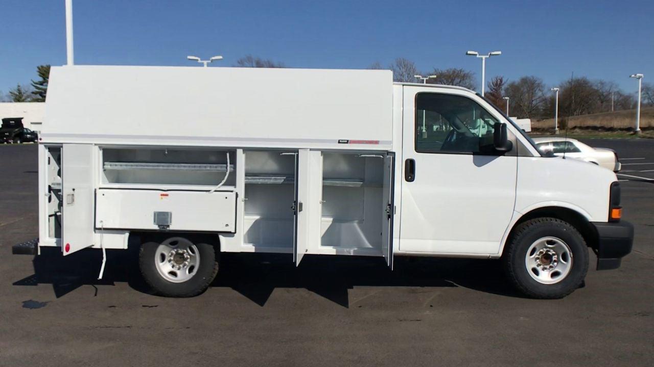 2017 GMC Savana 3500 4x2, Service Utility Van #111725 - photo 9