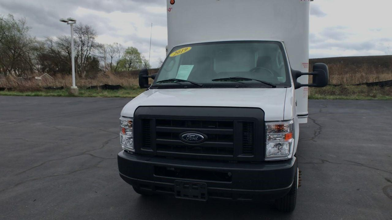 2019 Ford E-350 4x2, Dry Freight #111757 - photo 4