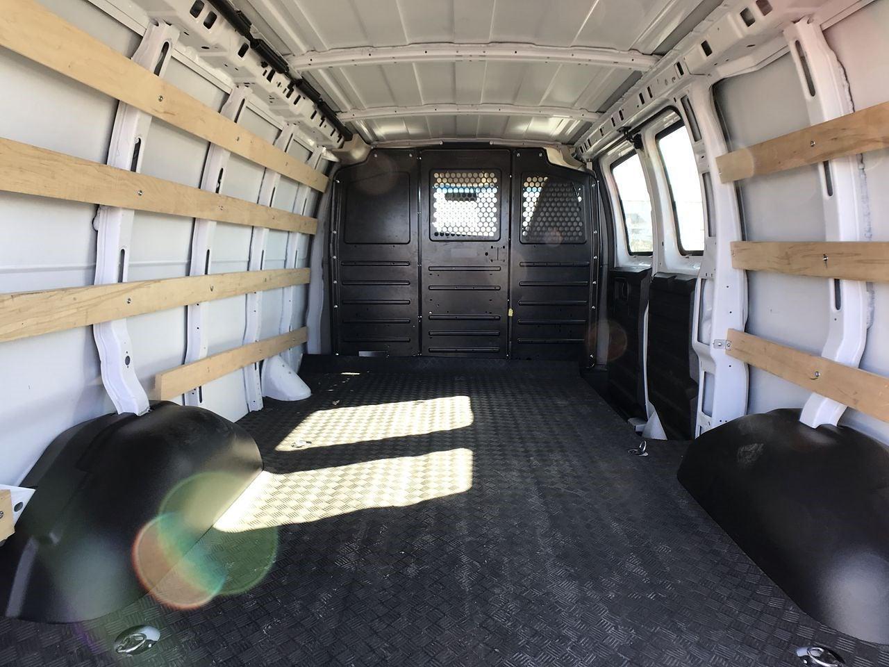 2019 Chevrolet Express 2500 4x2, Empty Cargo Van #111763 - photo 1
