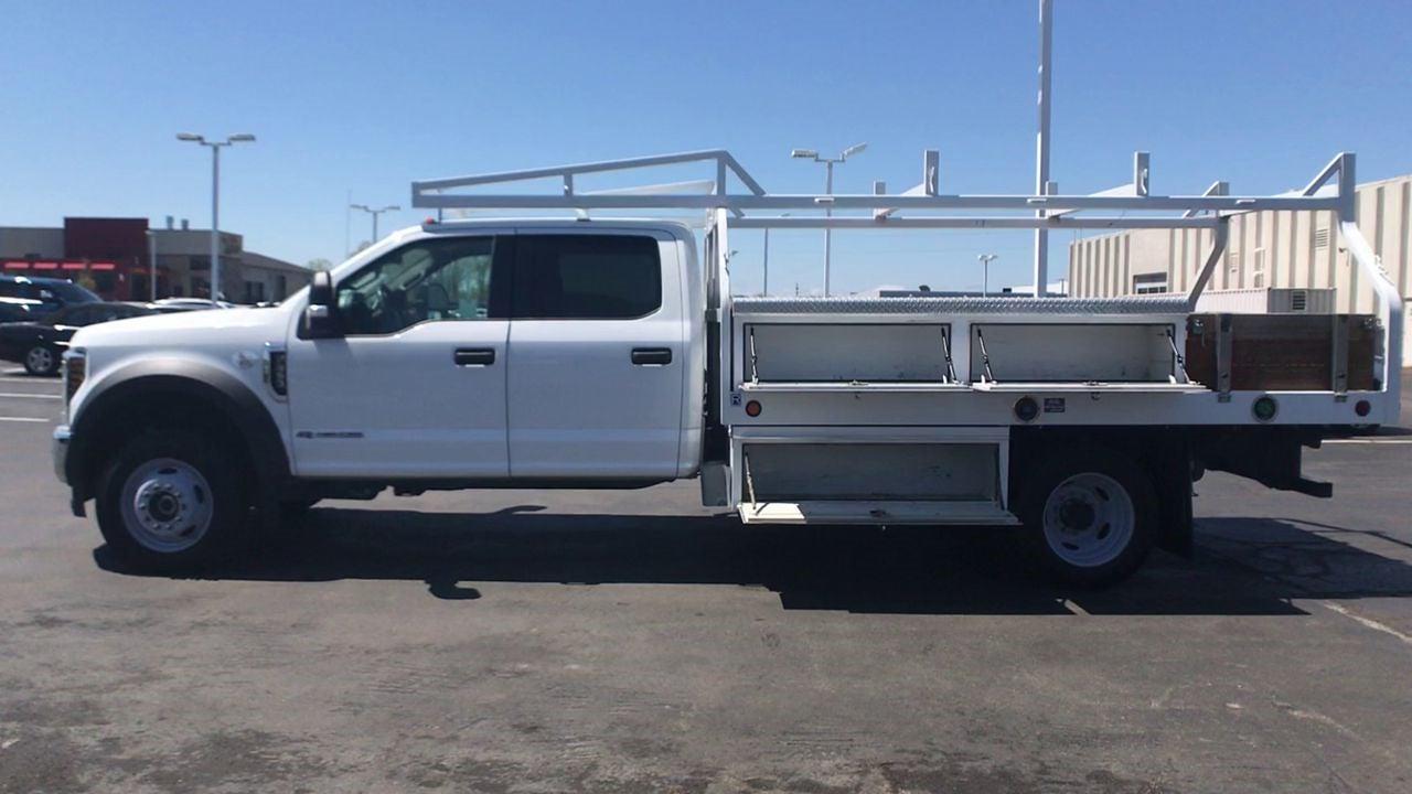 2019 Ford F-550 Crew Cab DRW 4x4, Contractor Body #111777 - photo 6