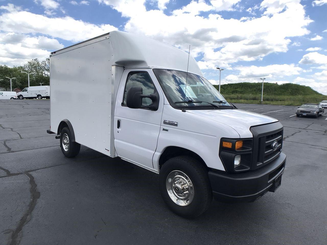 2017 Ford E-350 4x2, Cutaway Van #111895 - photo 1