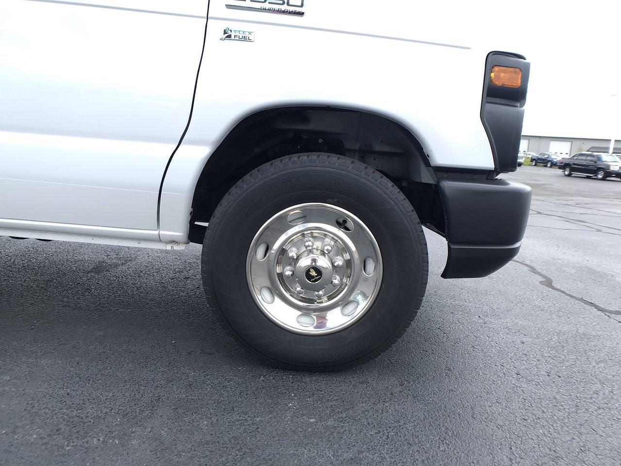 2017 E-350 4x2,  Cutaway Van #111895 - photo 10