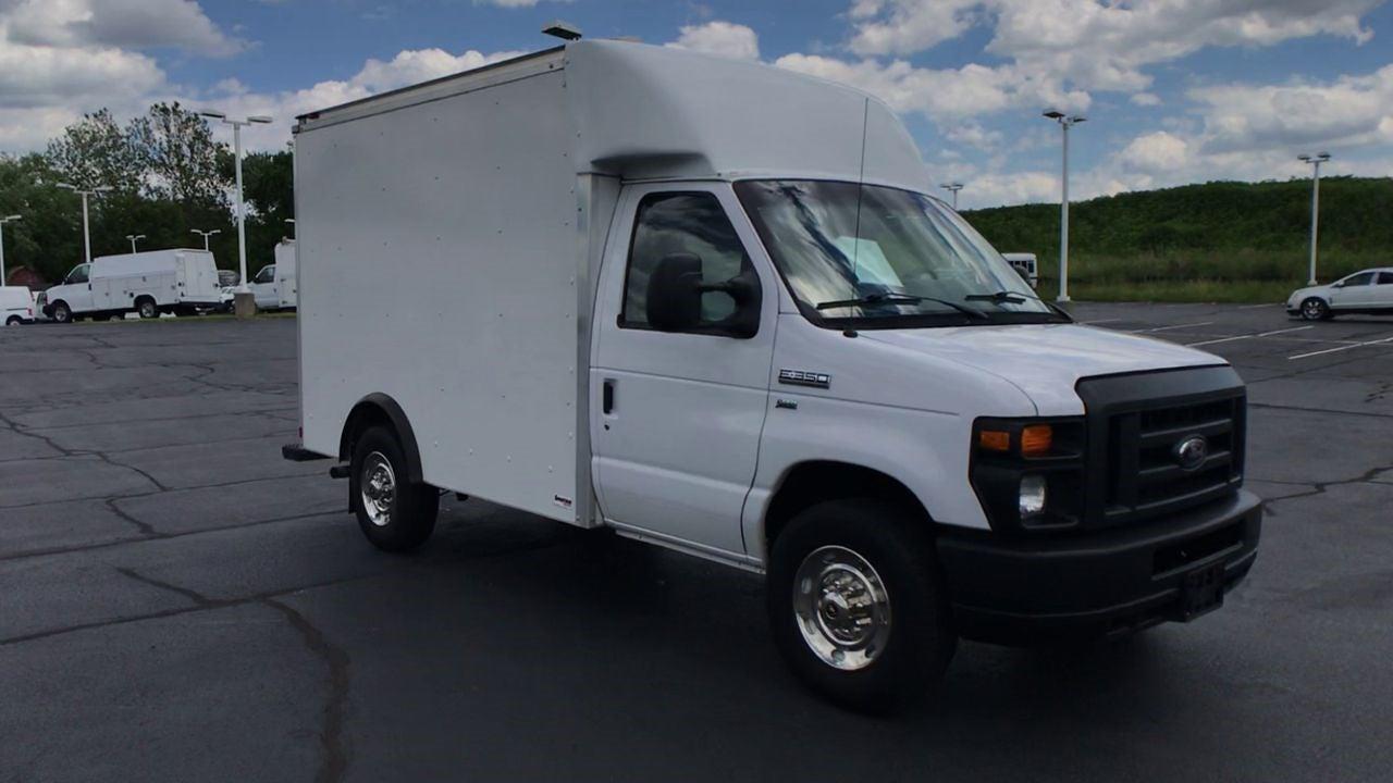 2017 E-350 4x2,  Cutaway Van #111895 - photo 3