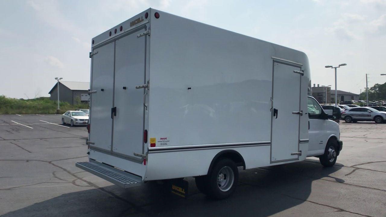 2021 Chevrolet Express 4500 DRW 4x2, Cutaway Van #111984 - photo 1