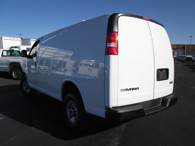 2017 Savana 2500, Cargo Van #HT10X196 - photo 3