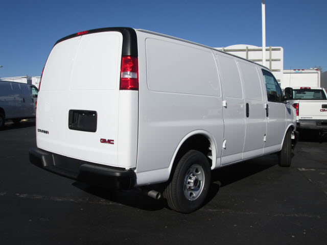 2017 Savana 2500, Cargo Van #HT10X196 - photo 8