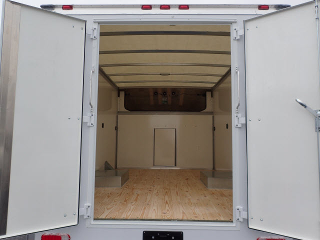 2017 Savana 3500, Supreme Cutaway Van #HT11X49 - photo 10