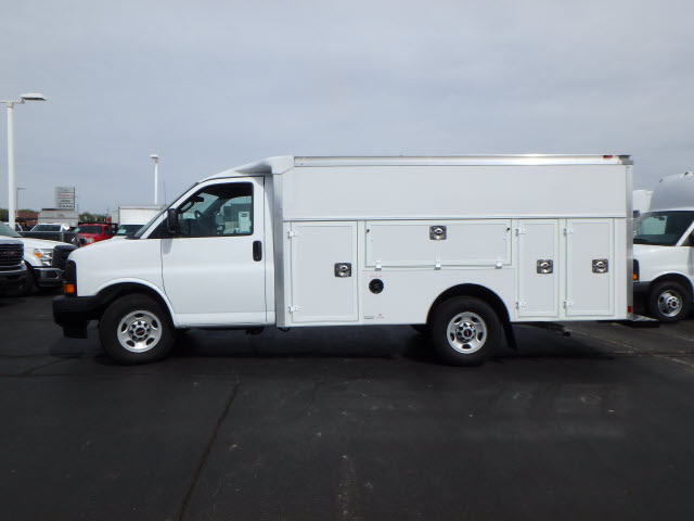 2017 Savana 3500, Supreme Service Utility Van #HT12X101 - photo 5