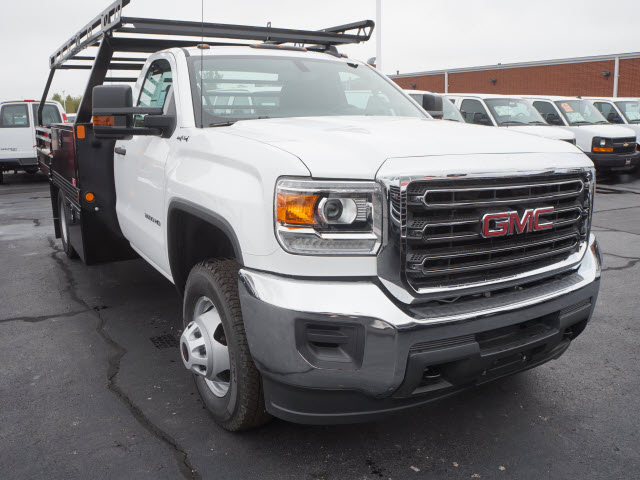 2017 Sierra 3500 Regular Cab 4x4 Contractor Body #HT332 - photo 3