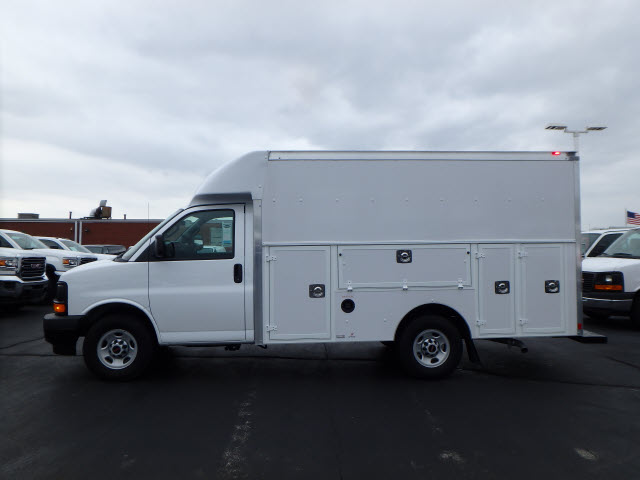2017 Savana 3500, Supreme Service Utility Van #HT3X167 - photo 5