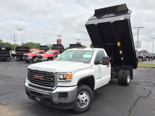 2017 Sierra 3500 Regular Cab 4x4 Dump Body #HT5X110 - photo 1