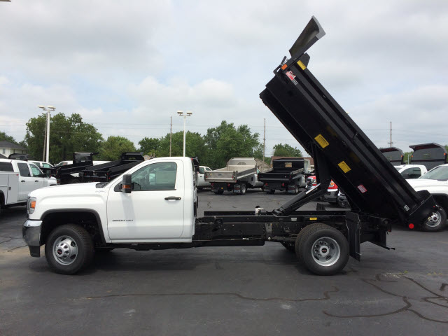 2017 Sierra 3500 Regular Cab 4x4 Dump Body #HT5X110 - photo 4
