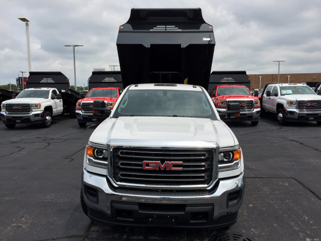 2017 Sierra 3500 Regular Cab DRW 4x4, Dump Body #HT653 - photo 3