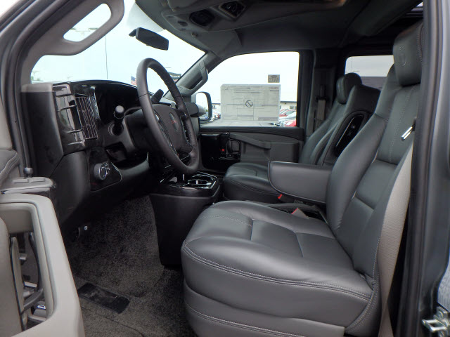 2017 Savana 2500 Passenger Wagon #HV4X122 - photo 10