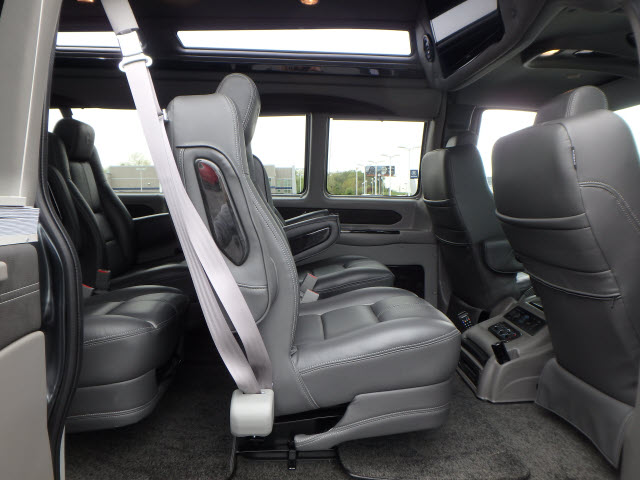 2017 Savana 2500 Passenger Wagon #HV4X122 - photo 11