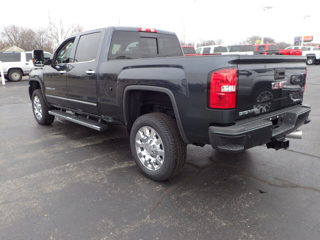 2018 Sierra 2500 Crew Cab 4x4, Pickup #JT1X106 - photo 2