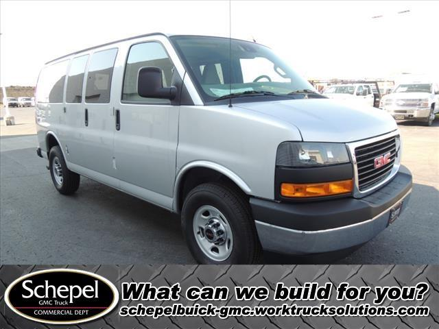 2020 GMC Savana 2500 4x2, Passenger Wagon #LT12X09 - photo 1