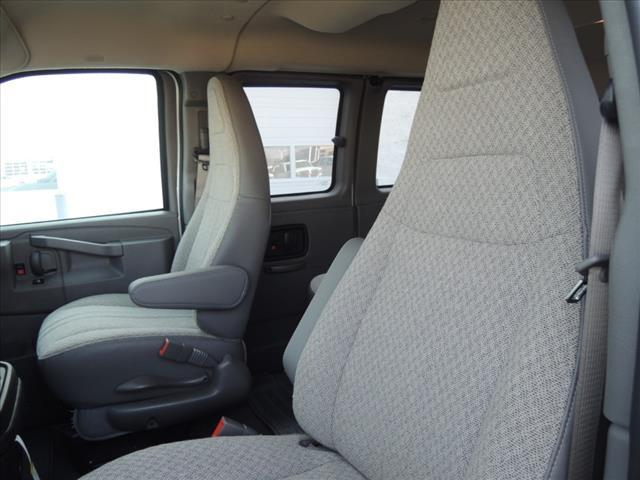 2020 GMC Savana 2500 4x2, Passenger Wagon #LT12X09 - photo 19