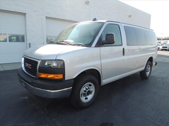 2020 GMC Savana 2500 4x2, Passenger Wagon #LT12X09 - photo 4