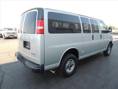 2020 GMC Savana 2500 4x2, Passenger Wagon #LT12X09 - photo 2