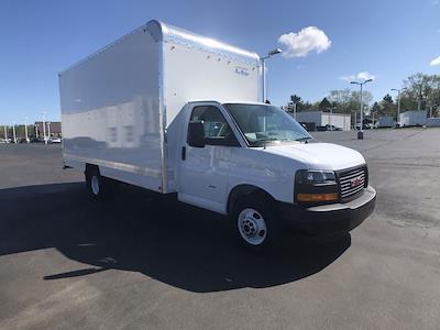 2020 GMC Savana 3500 DRW 4x2, Bay Bridge FRP Cutaway Van #LT4X112 - photo 1