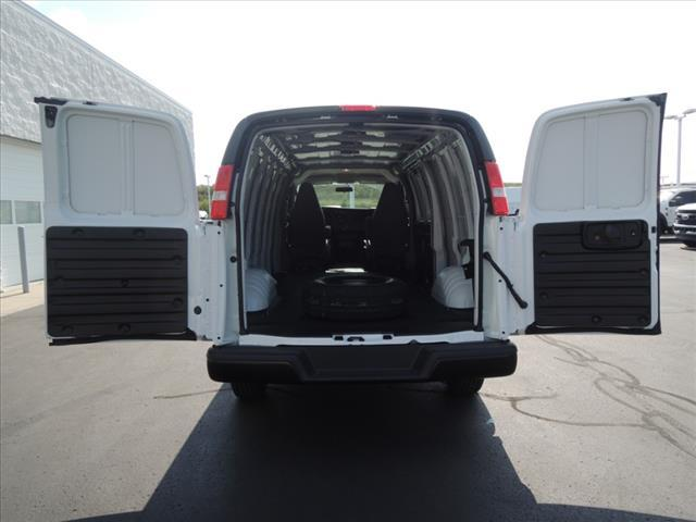 2020 GMC Savana 2500 RWD, Empty Cargo Van #LT8X111 - photo 8