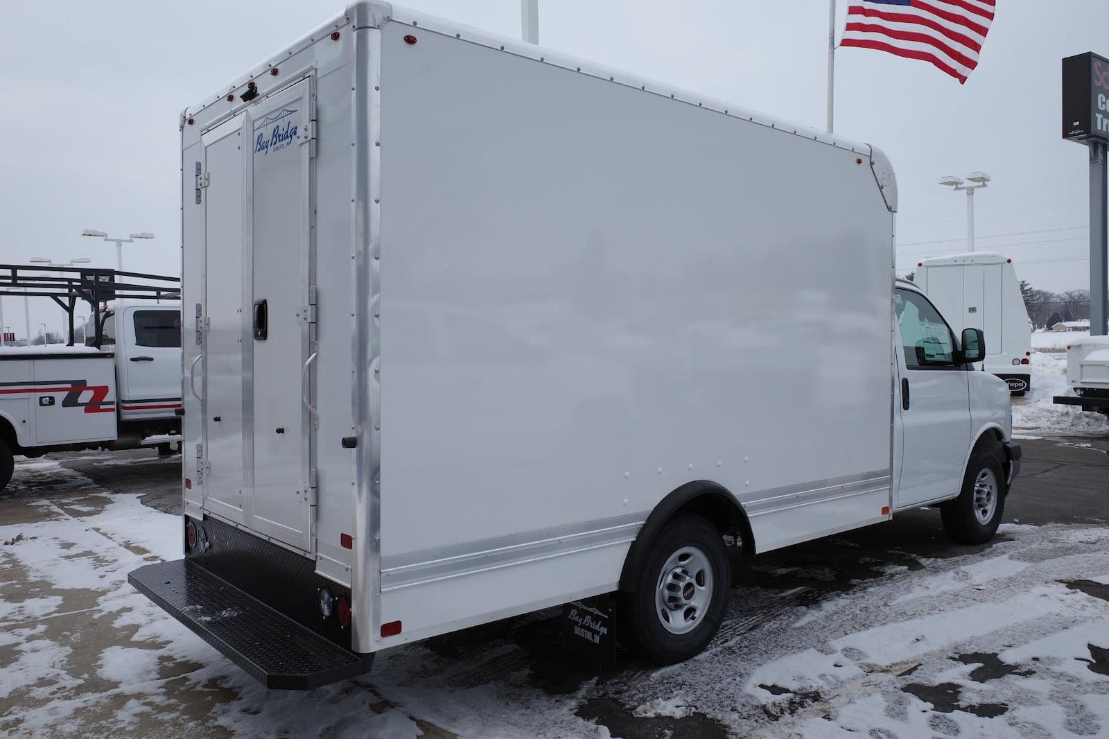 2020 GMC Savana 3500 4x2, Bay Bridge Cutaway Van #LTT278 - photo 2