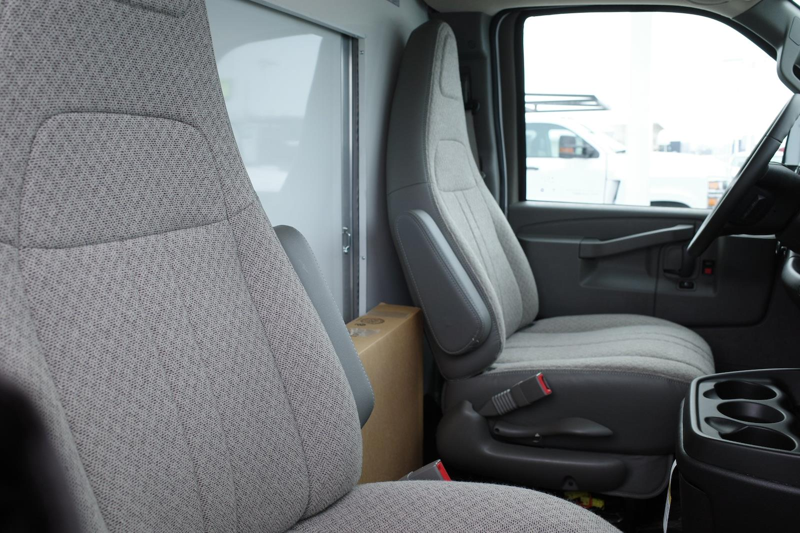 2020 GMC Savana 3500 4x2, Bay Bridge Cutaway Van #LTT278 - photo 13