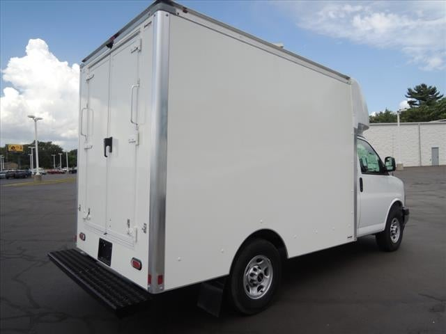 2020 GMC Savana 3500 4x2, Supreme Cutaway Van #LTT890 - photo 1