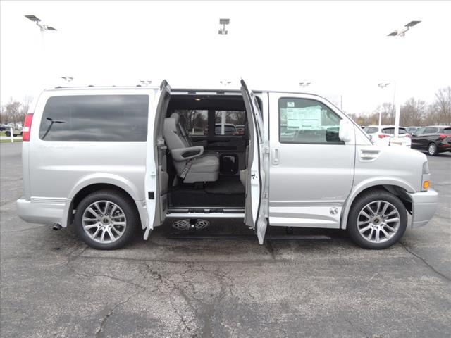 2020 GMC Savana 2500 RWD, Explorer Passenger Wagon #LV399 - photo 13