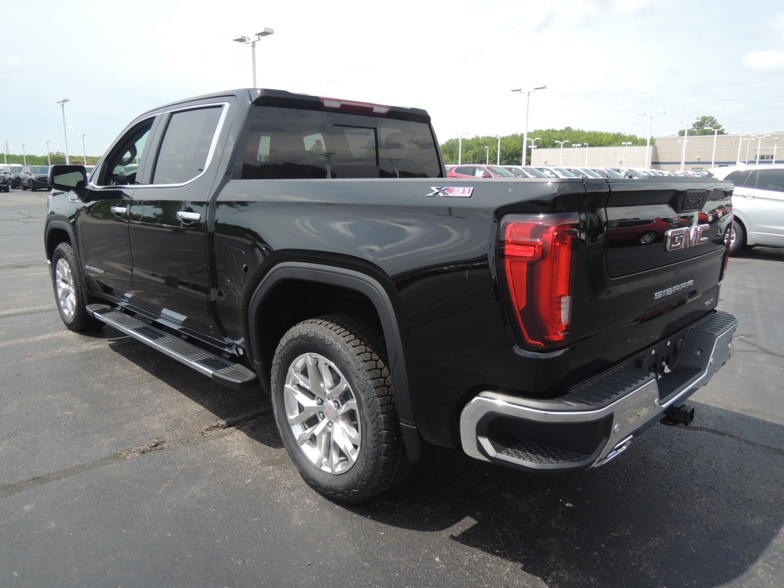 2021 GMC Sierra 1500 Crew Cab 4x4, Pickup #MT11X99 - photo 11