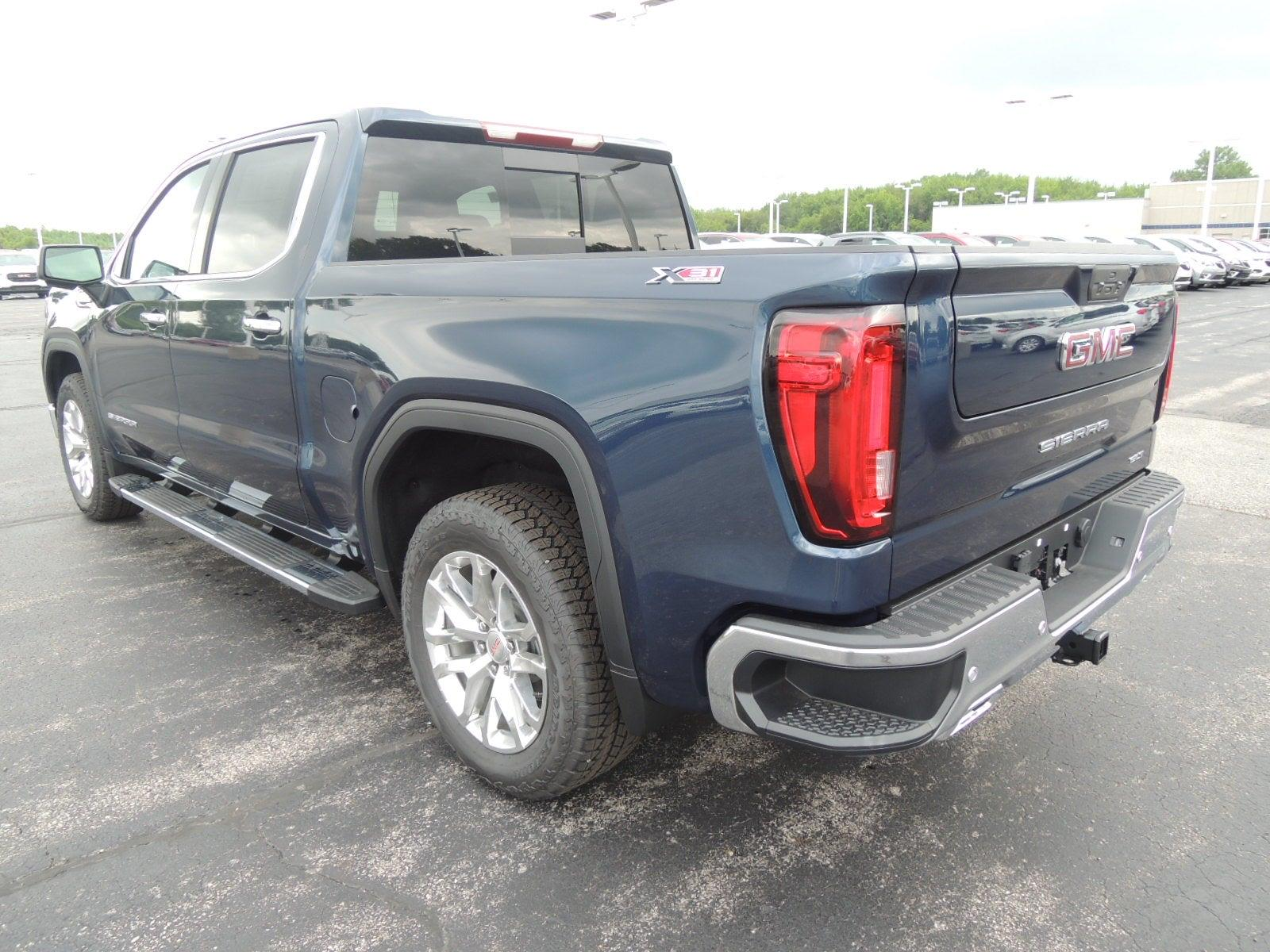 2021 GMC Sierra 1500 Crew Cab 4x4, Pickup #MT282 - photo 9
