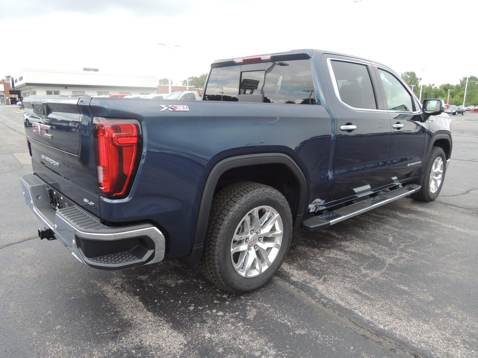 2021 GMC Sierra 1500 Crew Cab 4x4, Pickup #MT282 - photo 2
