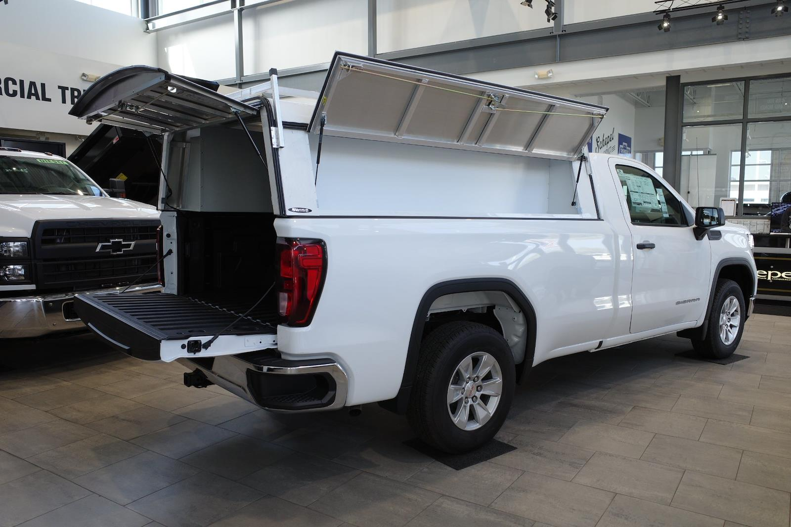 2021 GMC Sierra 1500 Regular Cab 4x2, Pickup #MT421 - photo 2