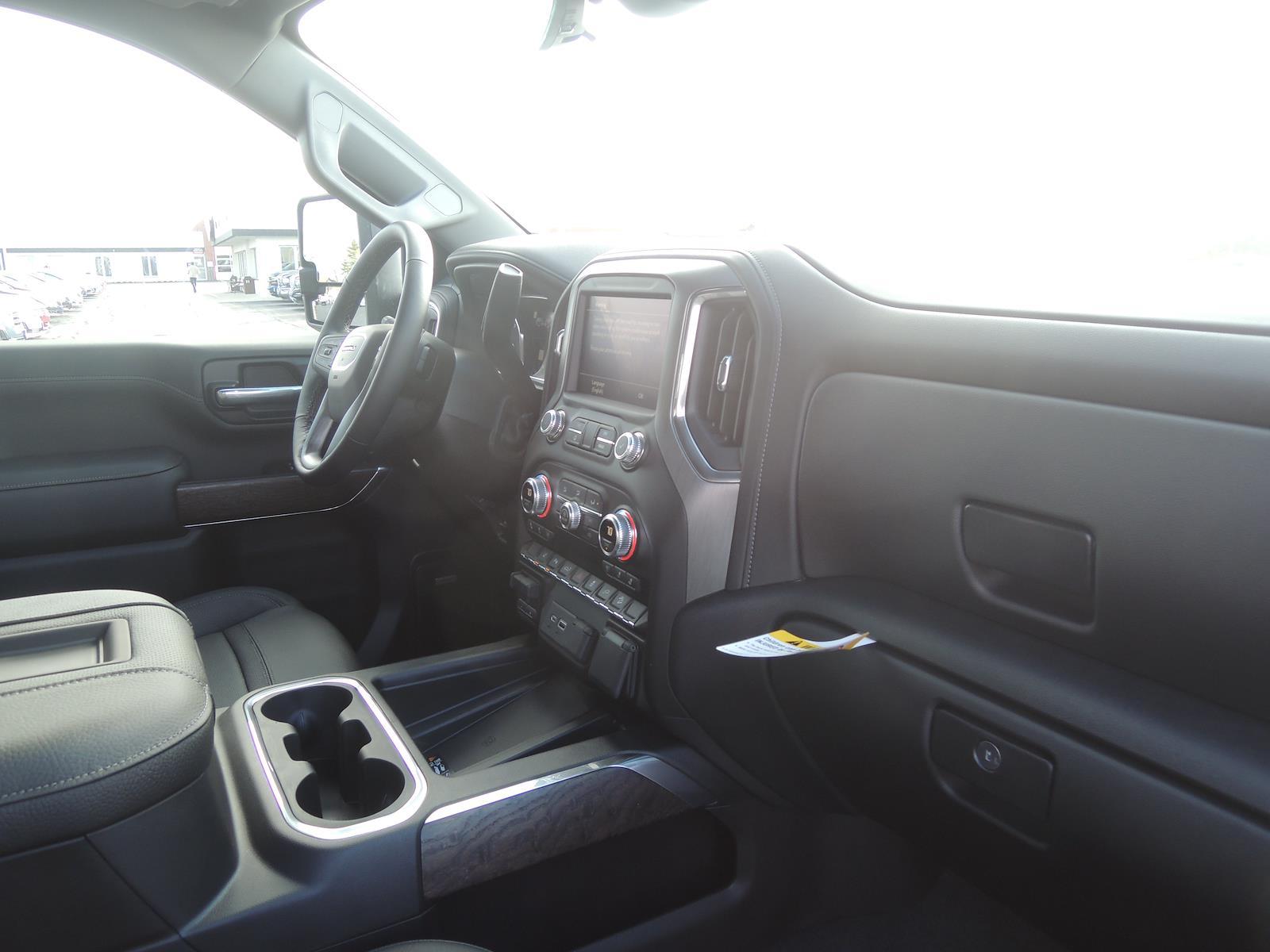 2021 GMC Sierra 2500 Crew Cab 4x4, Pickup #MT488 - photo 16