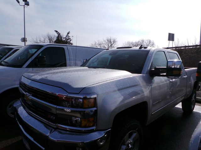 2017 Silverado 2500 Crew Cab 4x4, Pickup #C132483 - photo 5