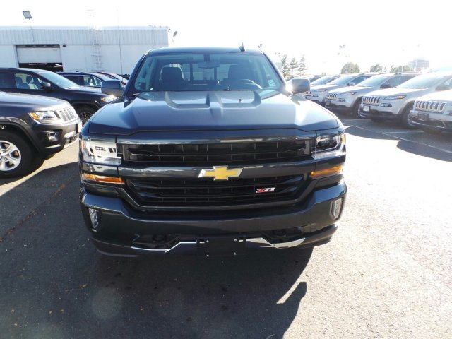 2017 Silverado 1500 Crew Cab 4x4, Pickup #C186701 - photo 3