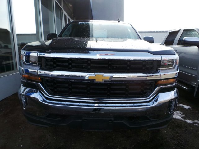 2017 Silverado 1500 Crew Cab 4x4, Pickup #C201793 - photo 3
