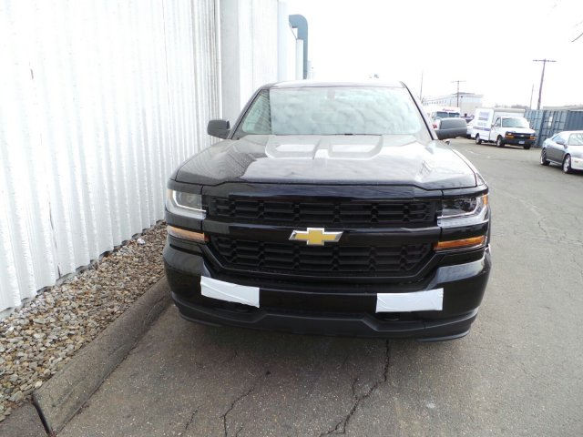 2017 Silverado 1500 Double Cab 4x4, Pickup #C232423 - photo 2
