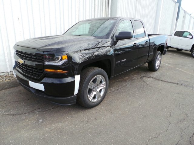 2017 Silverado 1500 Double Cab 4x4, Pickup #C232423 - photo 3
